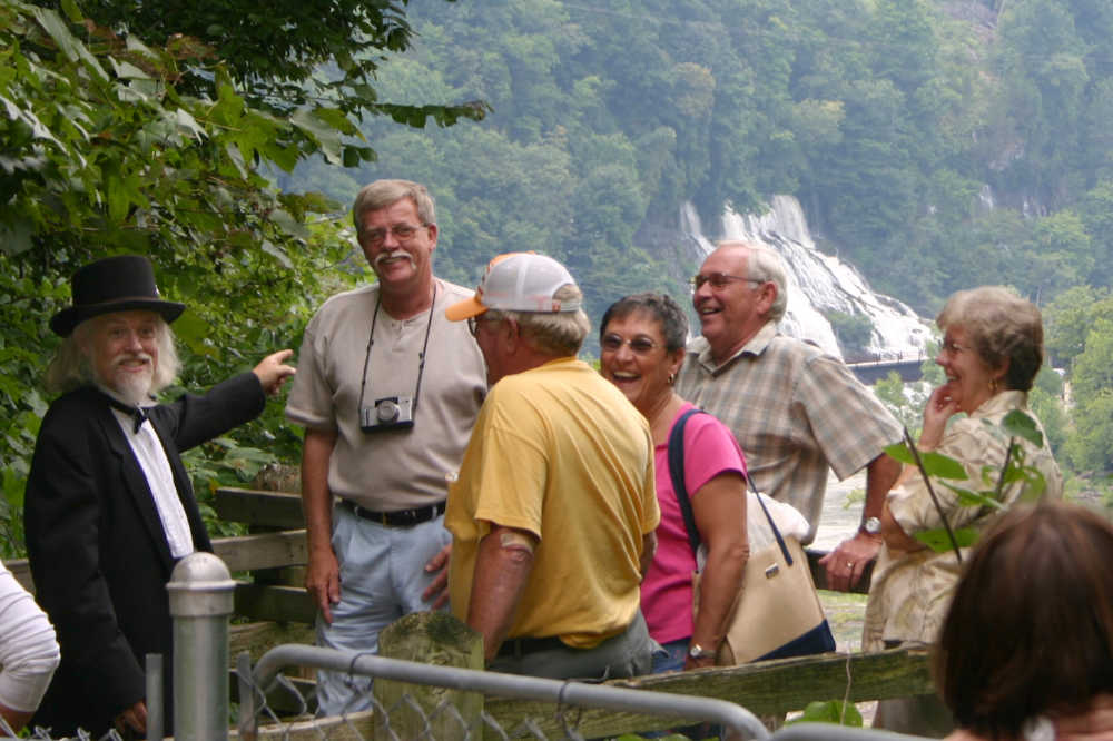 Your bus tour guide to McMinnville and Rock Island State Park