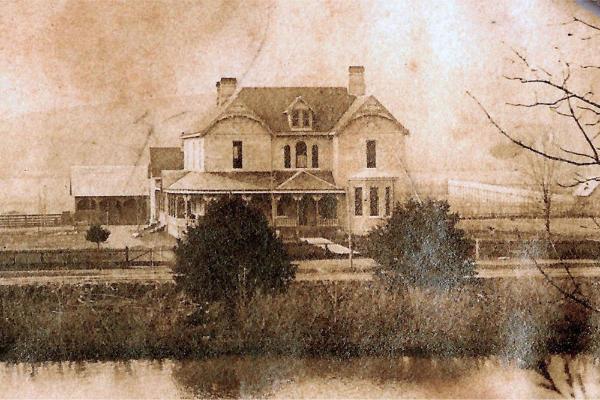 Historic Mansion Tour Between Nashville & Chattanooga