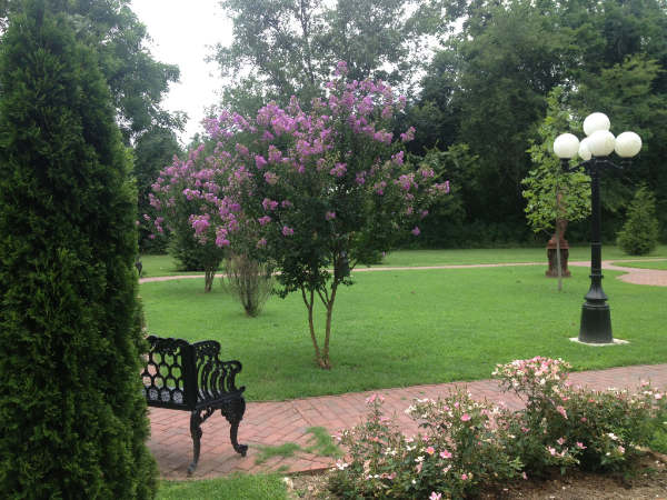Gardens At Falcon Rest Mansion Recreate The 1890s